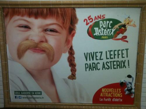 boboparisienne_pub_parc_asterix_metro.JPG
